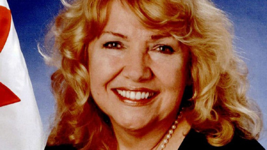Lynn Beyak asks Indigenous Canadians to join rest of Canada in ignoring Indigenous issues