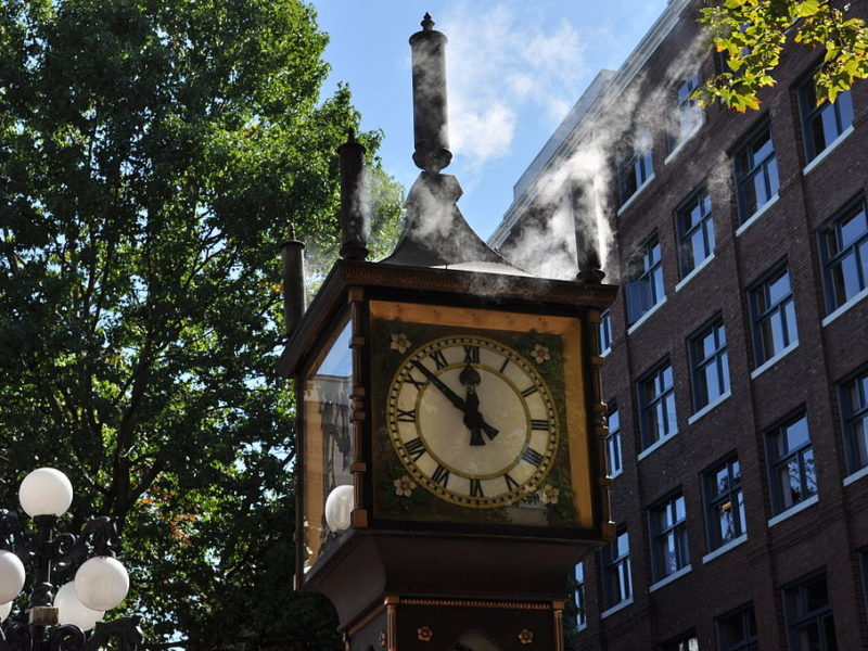Oh great, the Gastown Steam Clock is vaping now - The Beaverton